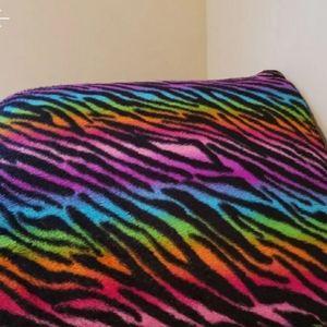 Multi colored comfort pillow